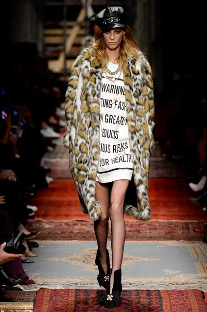 images/cast/20162000030000080=F.W. 2016-17 COLOUR'S COMPANY fabrics x=Moschino